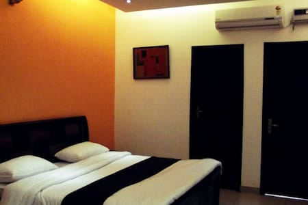 2 rooms B&B in GK1 with kitchen - Neu-Delhi