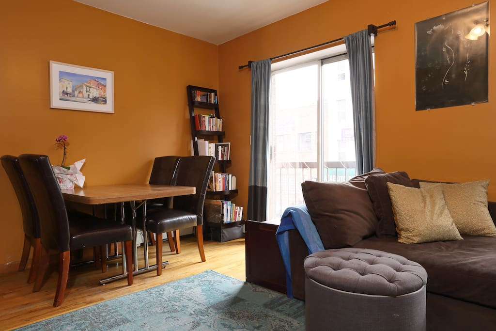 Living Room Ave U Menu Bedford N Wburg In 2br 1 Appartements 224 Louer