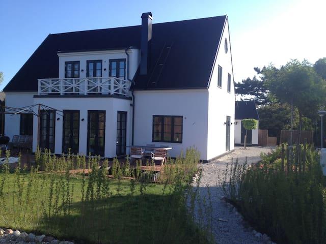 Falsterbo, 5 bedroom villa - Falsterbo - House