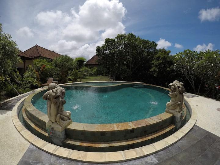 Gobleg Inn Uluwatu 3 single beds #6