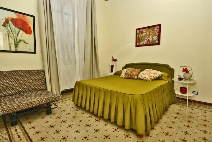 Camera verde - Green Bedroom (2)