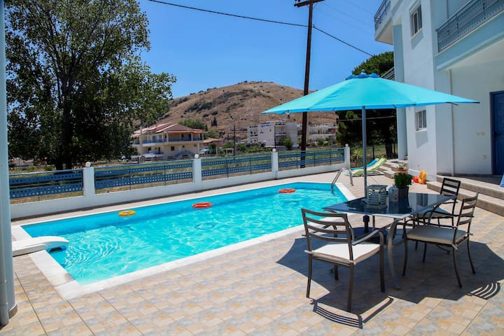 New and welcoming house with pool, near to Nafplio