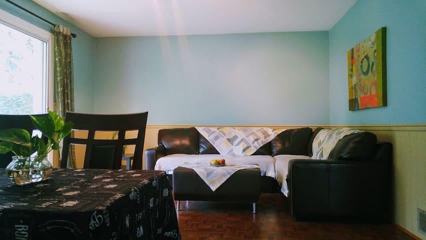 Lovely 2 BR suite w/Garden near Airport&Metro