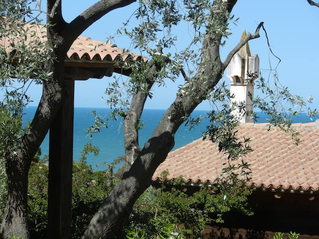 x2 cozy cottage overlooking the sea - rodi garganico