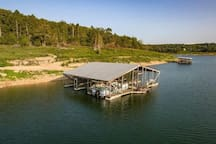 Lakeview Cottage 2 on Bull Shoals Lake lg studio