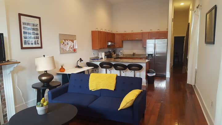 Spacious 1 Br in Central City