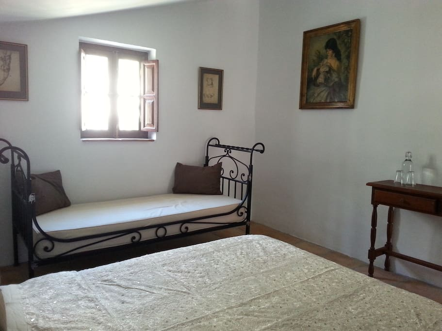 Antequera kamer bed breakfasts for rent in el chorro andalusia spain - Bed kamer ...