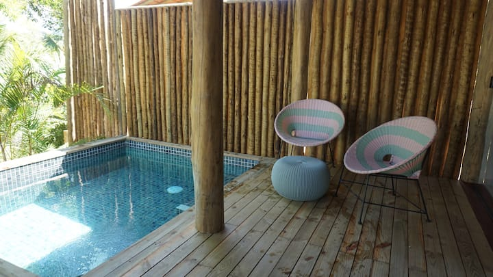 Bangalo with plunge pool in the center of trancoso