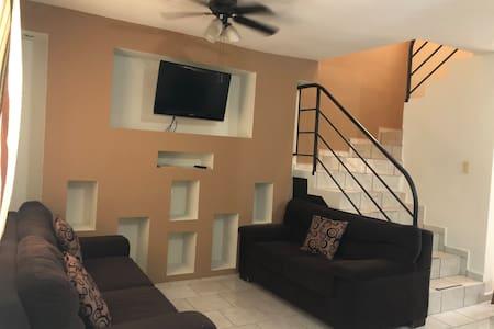 Confortable casa amueblada