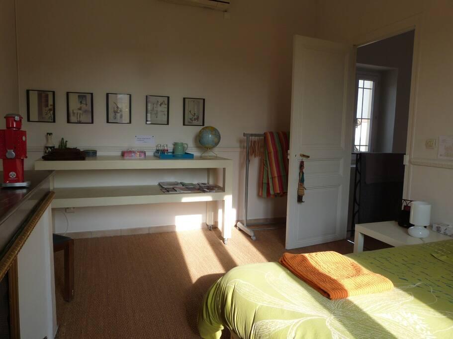chez laure et f lix 1 chambres d 39 h tes louer valence rh ne alpes france. Black Bedroom Furniture Sets. Home Design Ideas