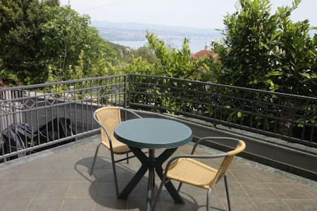 One bedroom apartment with terrace and sea view Ičići, Opatija (A-7764-b)