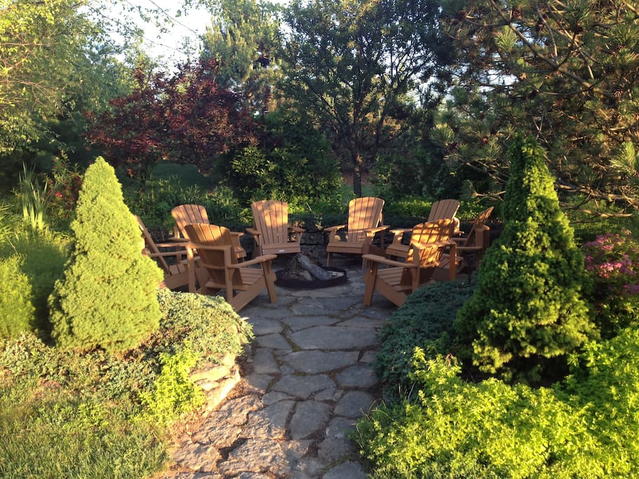 2 outdoor fire pits with wood included