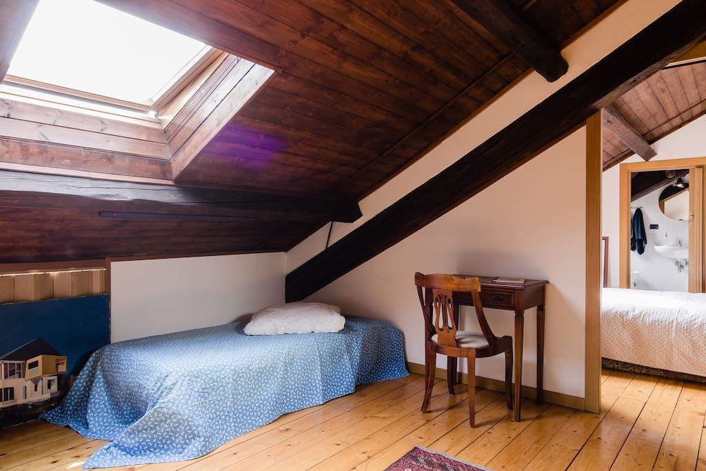 Appartamento milano loreto 2 piani appartamenti in for Appartamento garage prefabbricato a 2 piani