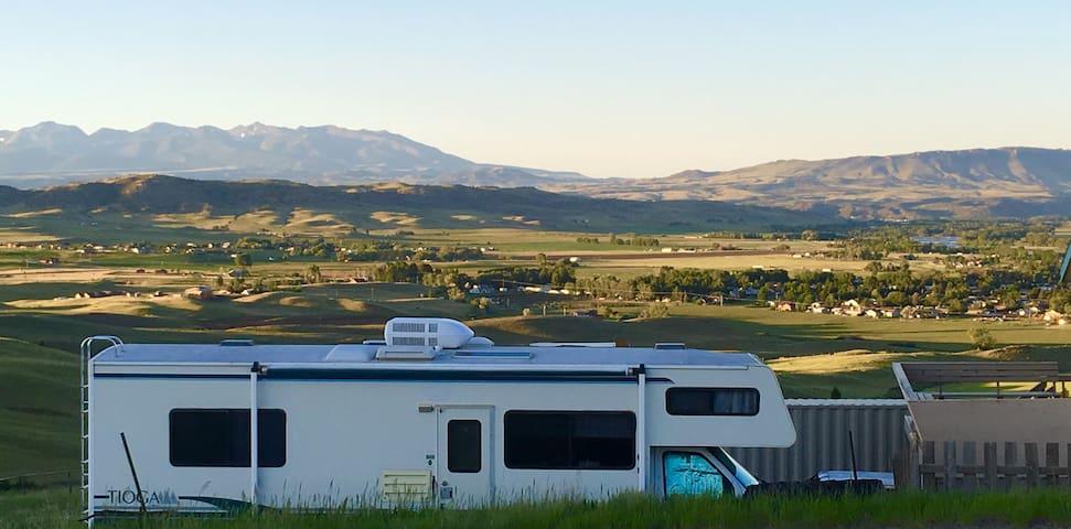 Mystic Mountain RV 1bdrm w/Mountain & River Views!