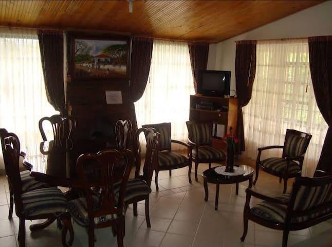 Cabaña Villa del Dorado