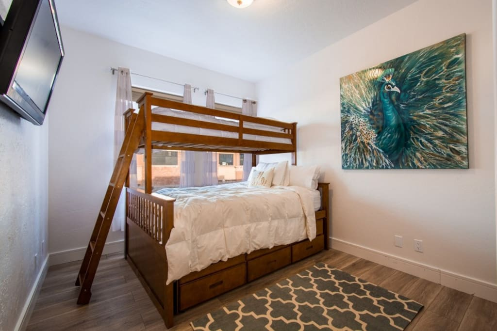 Guest Private Bedroom Sleeps 2-4