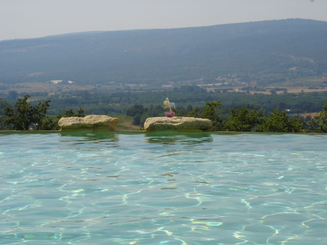 Breathtaking panoramic view - Roussillon - Rumah