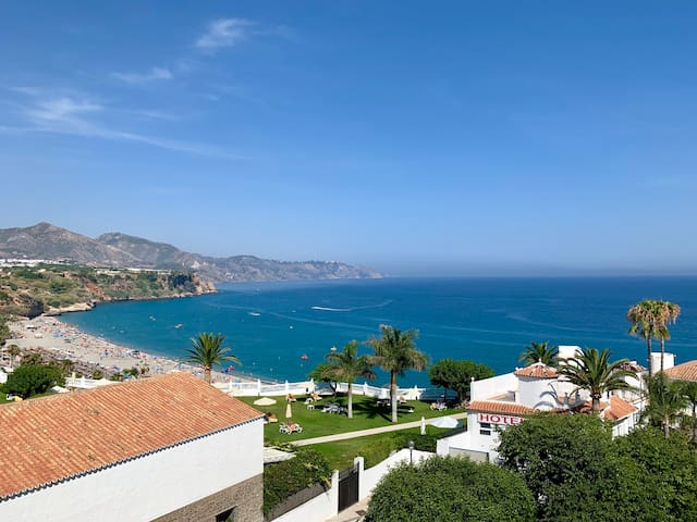 Nice apartment, big pool garden and see view n27