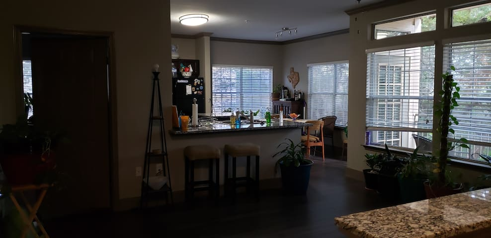 Awesome Roommate Wanted! 2BD/2Bath