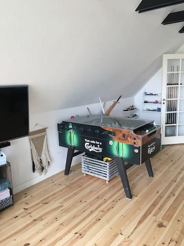 I stuen kan i også spille bordfodbold