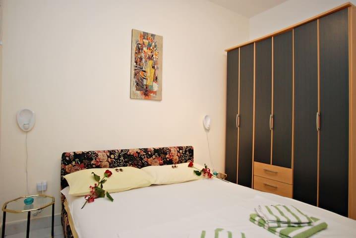 One bedroom apartment (2+2) on Sveti Stefan #4 - Sveti Stefan - Apartment