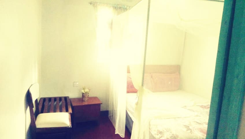 Centreville Guest House (3 bedroom guest house)