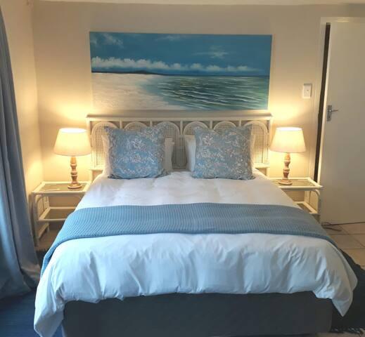 9 on Rosebery Beach Room