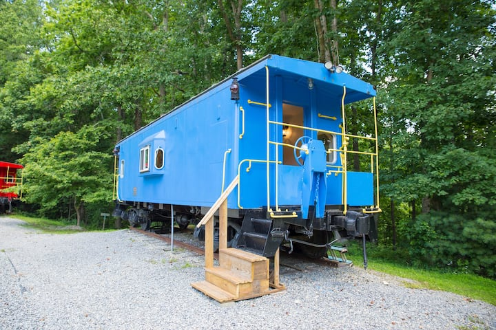 Apple Ridge Farm Caboose Bed & Breakfast - #2