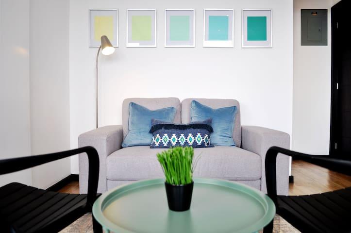 City-Views Studio Apartment in 4 Grados District