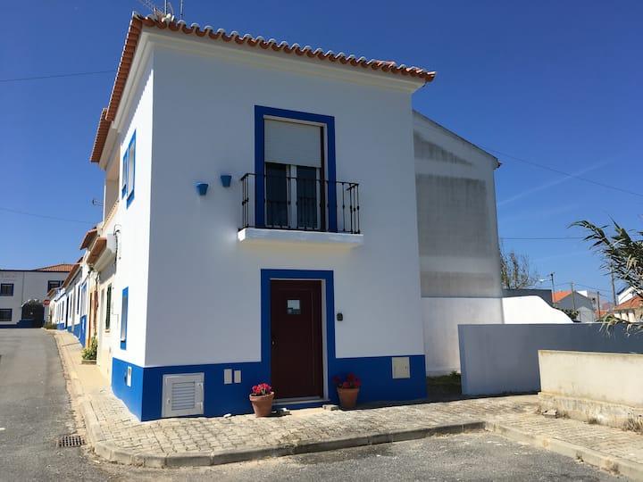 AL Casa Azul - Almograve - para 2 pessoas.