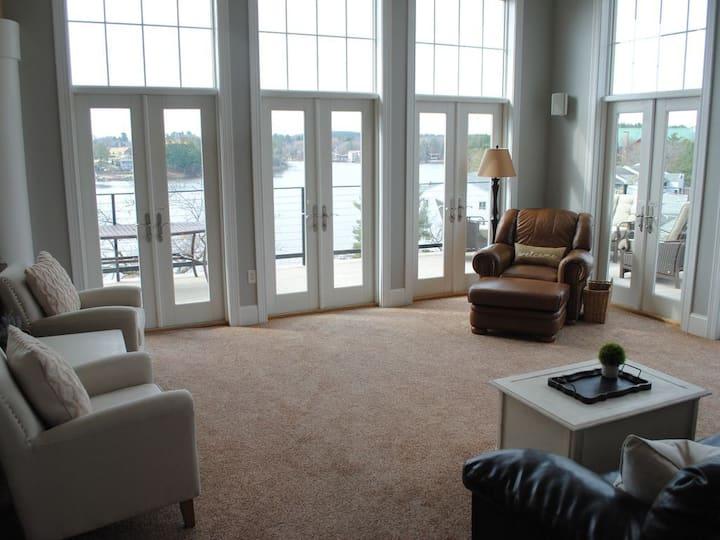 LAKEFRONT Balcony.Penthouse