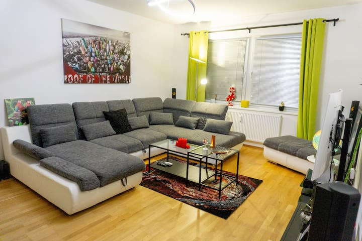Top modern apartment (10 minutes to city center)
