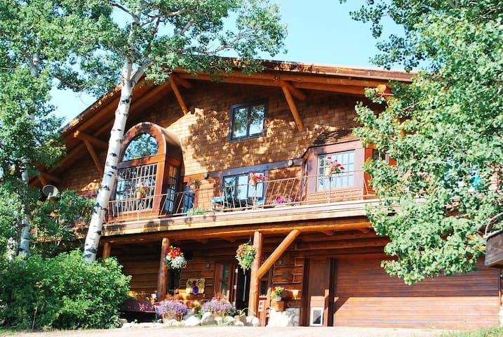Back country Boho retreat - Basalt - Hus