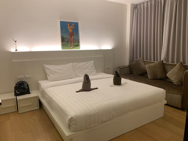 Astra Condo. nr night bazaar and old town (2-3ppl)