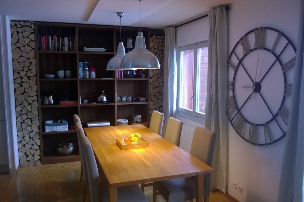 The dining area, with large table for 6