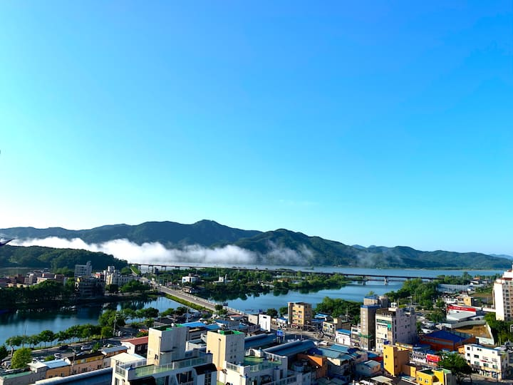 Cozy apartment surrounded by River & mountain(2인실)