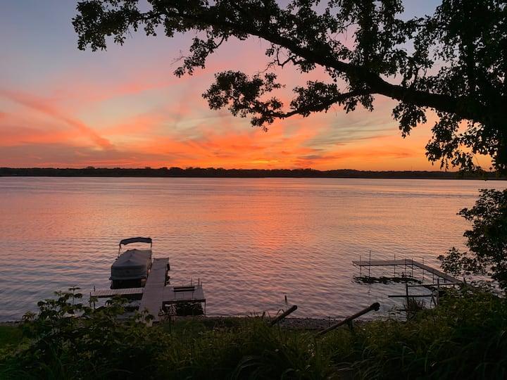 Beautiful Family Lake House on the Chain O' Lakes