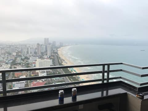 Heaven Sea apt on 40th floor with wonderful view