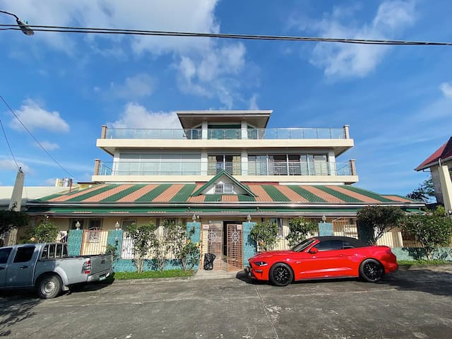 """Tagaytay """"Quiet, Cold & Windy"""" Vacation Home"""