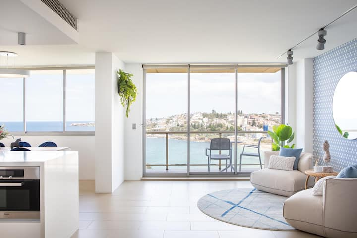 Coogee Beach Designer Penthouse With Parking