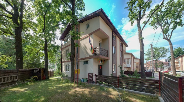 BrightAURA big HOUSE 3floor 150 sq.m. 1h from Kyiv