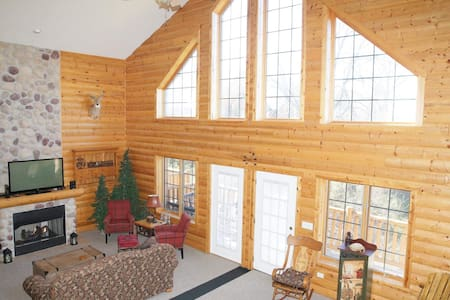 Highly Rated luxury cabin golf/fish/boat/hike