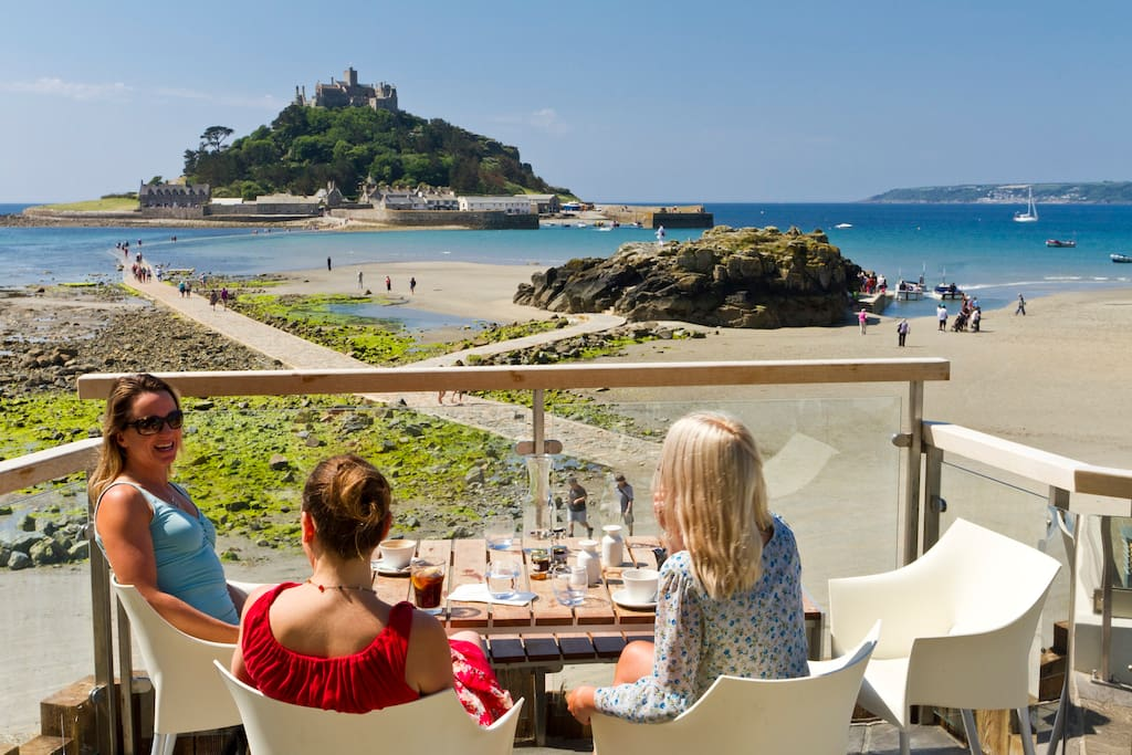 Take a stroll to Marazion and enjoy views that are second to none, along with something to eat at one of the many fabulous restaurants