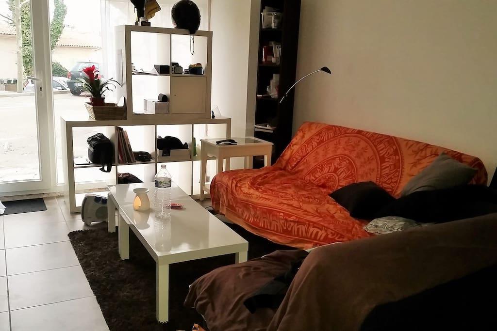 Tr s beau t2 de caract re pour 4 pe appartements louer - Chambre de commerce salon de provence ...