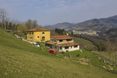 Typical Tuscan house in countryside - Maison