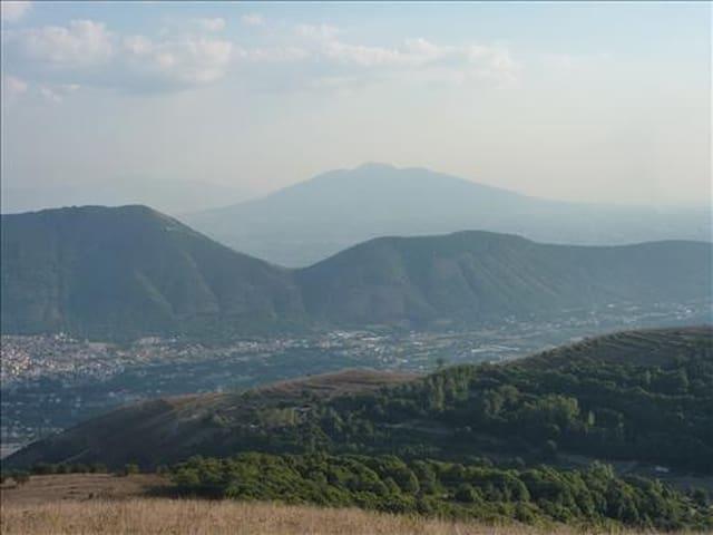 Vista Suggestiva da Mansarda   - Sant'Agata dé Goti  - Rumah