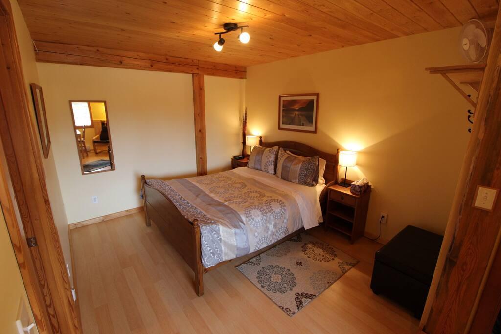 Mica Suite bedroom