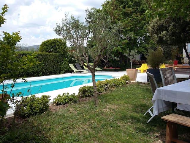 Villa avec piscine sur Gémenos