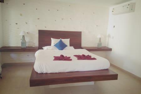 Spacious Room in a beach resort - Mandrem