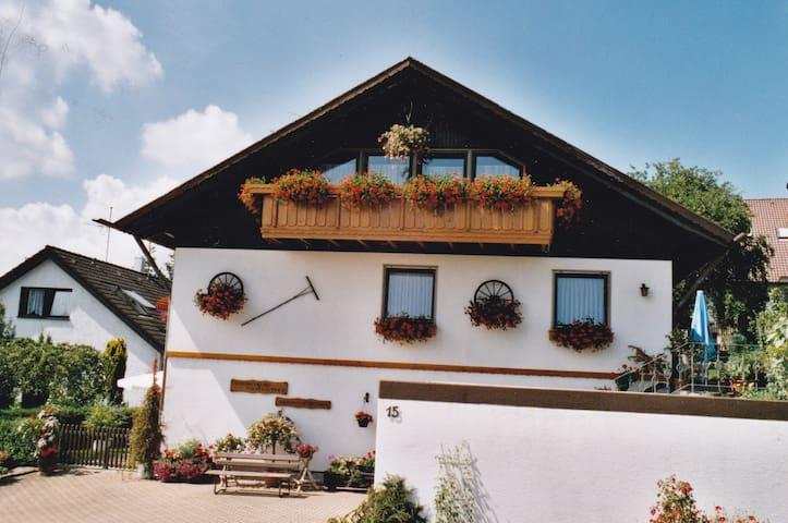 Schöne Ferienwohnung im Nordschwarzwald - Schömberg - Lägenhet